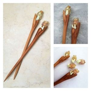 """Tulips"" Pair of hairsticks by OakForest Woodwork & MarLenGlass (Moscow). Handmade. Materials: Hairsticks - Wild plum wood, Linseed oill, Decor - lampwork by MarLenGlass. Size: Hairsticks - 18,5x1.5 cm."