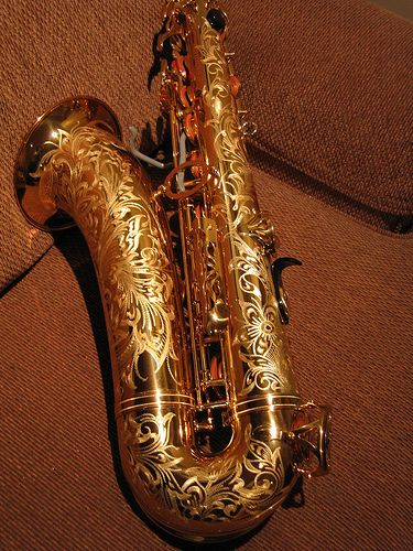 Yamaha Custom Tenor Saxaphone... I want this sososo bad!!! ♥♥♥ Holy beautiful! This is fabulous! :)