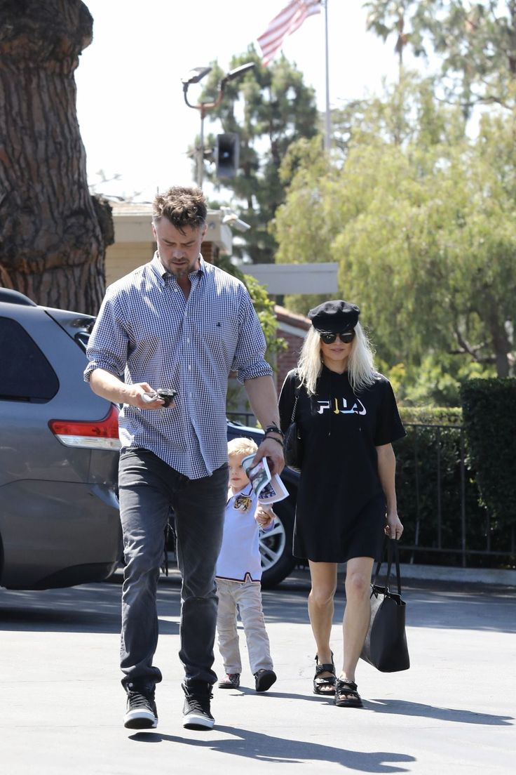 #Fergie Fergie and Josh Duhamel at Sunday Church Service in Brentwood 06/25/2017 | Celebrity Uncensored! Read more: http://celxxx.com/2017/06/fergie-and-josh-duhamel-at-sunday-church-service-in-brentwood-06252017/
