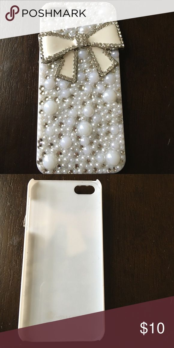 NovaCase Swarovski Crystal iPhone 5/5S Case NovaCase Swarovski Crystal iPhone 5/5S Case-good as new!! I bought it from amazon and it is still in great condition. Swarovski Accessories Phone Cases