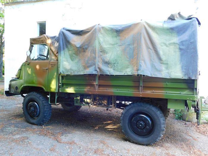 1969 SIMCA MARMON MH 600 BS  1960 Simca Unic Marmon Bocquet MH 600 BS - voormalige Franse leger - 4200 cc V8 gas 100 pk - 8M - 4 x 4 - camouflage groen - inactief voor meer dan 15 jaar maar met al haar delen - intact - lichaam met sommige roestvlekken gemarkeerd in de foto's - verkocht in zijn huidige toestand zonder enige vorm van garantie - inclusief certificaat van ontslag uit het Franse leger.Dit voertuig kan worden bekeken en pakte in Caresanablot (VC) Italië.  EUR 1.00  Meer informatie