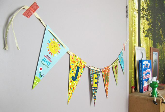 Een vlaggenlijn als geboortekaartje - kaartje op maat van Zwiep.nu