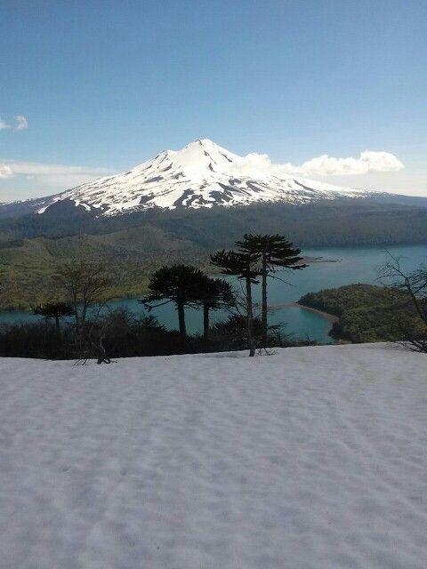 Volcan llaima desde sierra nevada IX región Chile. Parque nacional conguillio. 9 de noviembre 2014