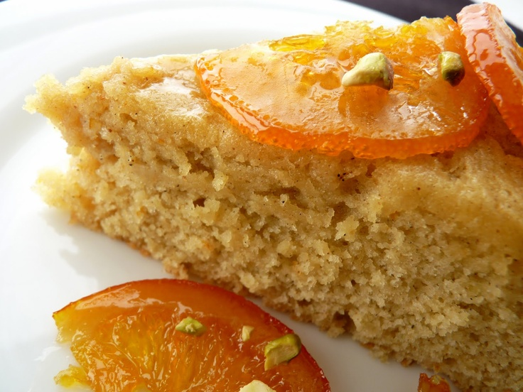 Olive oil cake with candied orange:pastry studio: cake