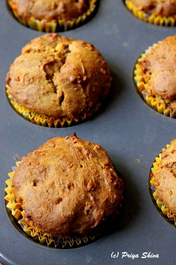 Eggless Papaya Banana Honey Muffins- made with whole wheat flour are prefect for #breakfast to enjoy with your whole family!