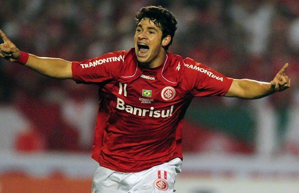 Giuliano melhor jogador da Libertadores em 2010.