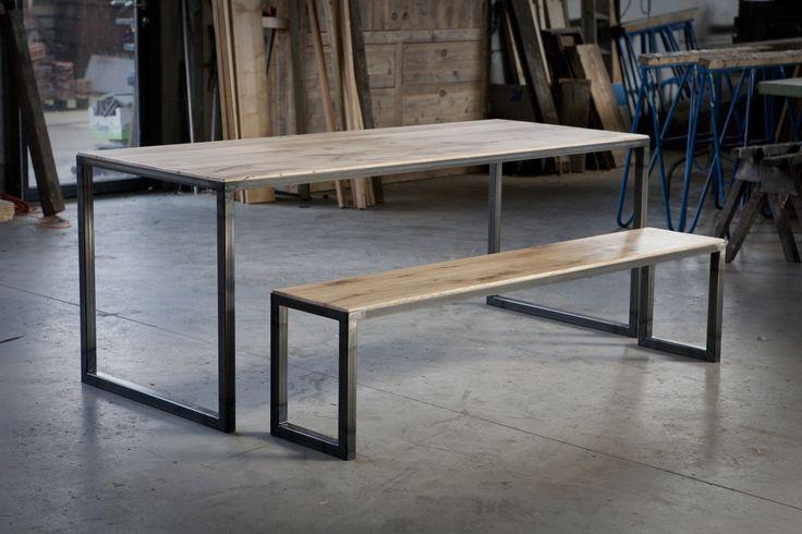 tafel met bankje van oude eiken wagondelen en ijzer. meubels op maat bij jan van…