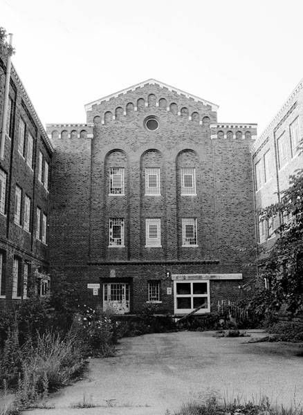 Hewitt State Hospital and Prison* Located at an undisclosed place in United States of America US      Location Genre:Psychiatric Hospital, Juvenile Detention Center      Built:1911     Opened:1924     Age:103 years     Closed:1994     Demo / Renovated:N/A     Decaying for:20 years     Last Known Status:Abandoned