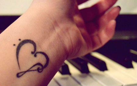 татуировки со знаком бесконечности и надписью