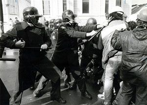 This shows the force that the police used against protestors to attempt keeping them under control