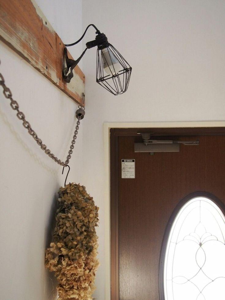 玄関ドアを開けたら点灯♪家族に大好評センサーライトつけました ... mily