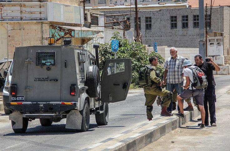 """Gobierno israelí trata de restringir las actividades del grupo de Veteranos militares conocido como """"Rompiendo el Silencio"""". - http://diariojudio.com/noticias/gobierno-israeli-trata-de-restringir-las-actividades-del-grupo-de-veteranos-militares-conocido-como-rompiendo-el-silencio/143450/"""