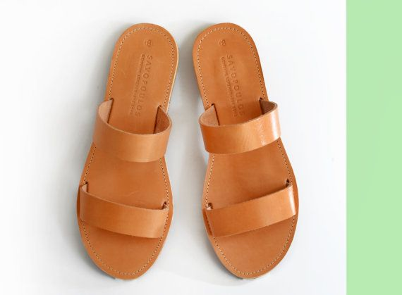 An ancient greek sandal design with a flattering style, that looks great on everyone. Two soft leather straps top a minimal sandal with boho-chic