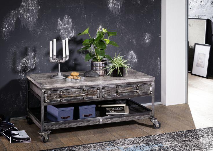Couchtisch der Reihe HEAVY INDUSTRY. Gefertigt aus Mangoholz mit Eisenelementen, natürlich lackiert.    #möbel #möbelstücke#wohnzimmer #mango#holz #echtholz#massivholz#wood #wooddesign #woodwork #homeinterior #interiordesign #homedecor #decor #einrichtung #furniture #storage #livingroom #livingroomideas #einrichtung #furniture #ideas #eisen #iron #couchtische #wohnzimmertisch #vollholztisch #massivholztisch #echtholztisch #holztisch #livingroomtable