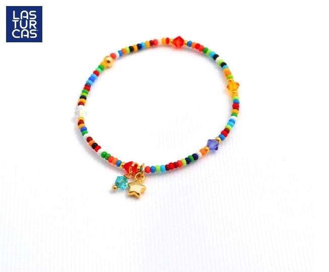Mostacilla multicolor con dije en baño y cristal Swarovski #Lturcas #Lasturcas #Accesorios #Handmade