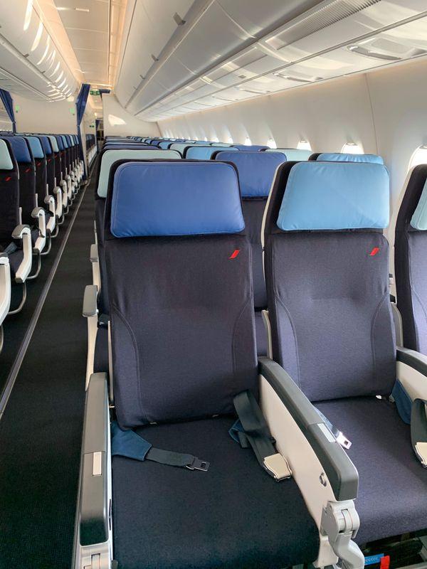 Nouvelle Cabine Economy A350 Air France Ohlalair Le Design Dans Les Avions Air France France Le Caire