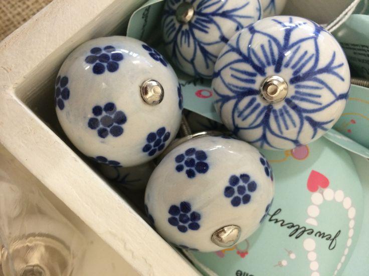 Ceramic drawer handles £3.50 each  www.kalicohome.com