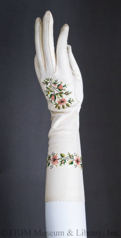Gloves, 1800-1810, Leather/silk/metal. Object ID: 2010.5.29AB. FIDM Museum and Galleries