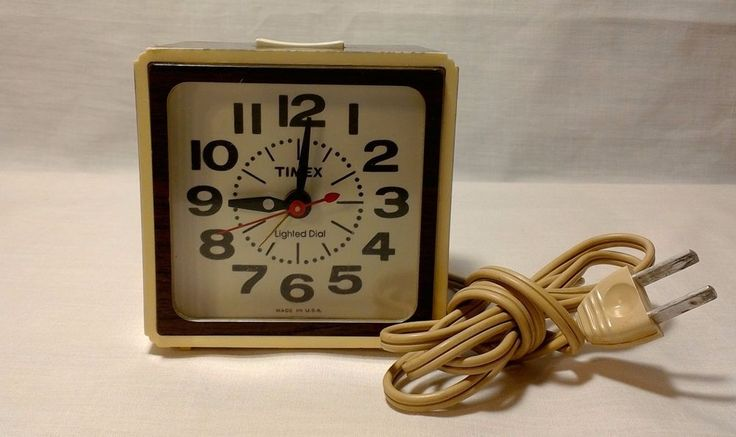 Vintage Timex Alarm Clock Wood Grain Lighted Dial Snooze USA Model 7413 Retro