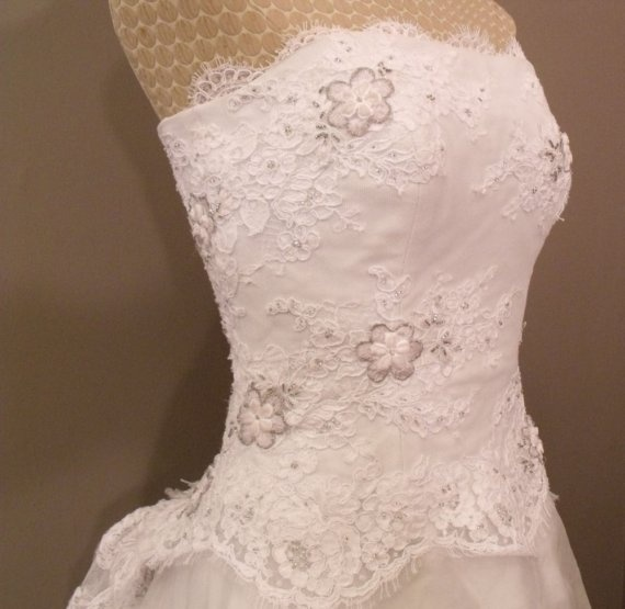 vintage givenchy wedding dress (close up on top): Wedding Dressses, Wedding Dresses