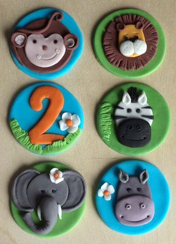 Jungle animals fondant cupcake toppers! Monkey, lion, zebra, elephant, hippo and age! You can find it on Etsy!