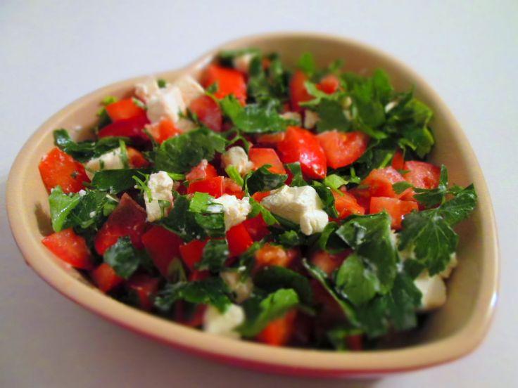 Dyrbys Mad: Tomatsalat med feta og bredbladet persille