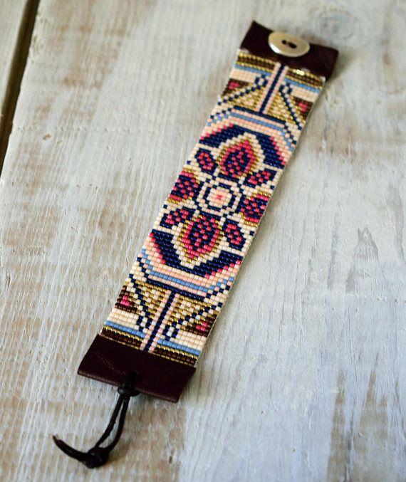 Floral Bead Loom armband, Miyuki kralen armband, Brick Stitch armband, kralen armband, gerolde armband, lederen armband, Boho armband