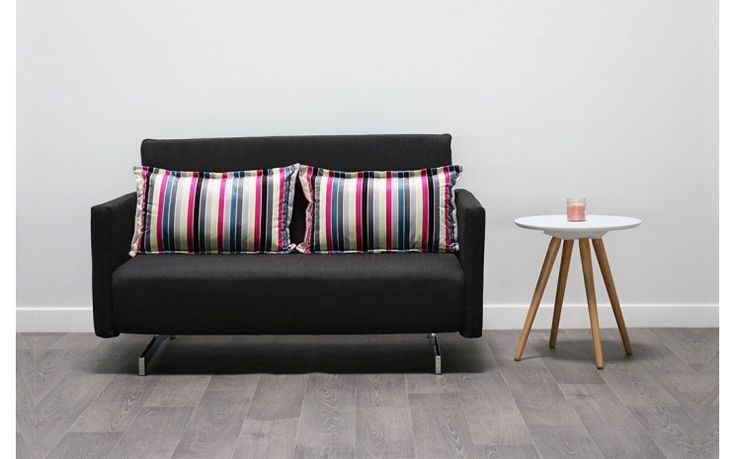Une petite table ronde scandinave MINI SIENNE et le canapé convertible KLOE en soldes ! Rendez-vous sur MyCreationDesign.com