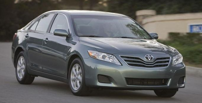 2010 Toyota Camry Owners Manual – The Toyota Camry obtains some updates for 2010, chief and this includes a new 2.5-liter four-cylinder base engine that replaces the former 2.4-liter unit and comes in two versions (the SE receives the more robust variation). Also, equally the manual and...