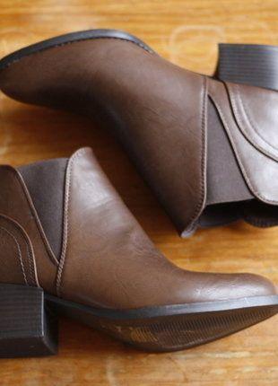 À vendre sur #vintedfrance ! http://www.vinted.fr/chaussures-femmes/bottes-and-bottines/28596933-bottines-marron
