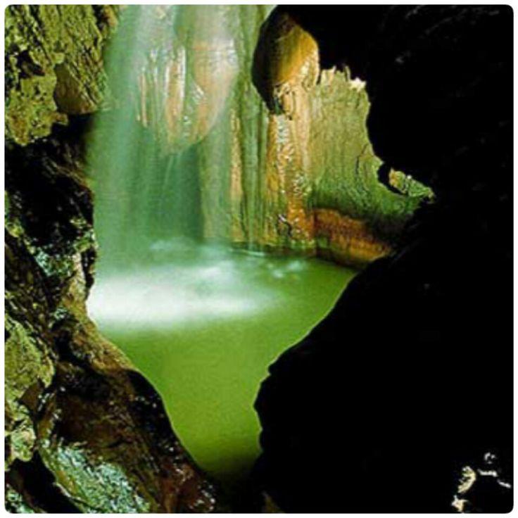 Cuevas de Valporquero, en León, Castilla y León, España. #ConociendoLeón
