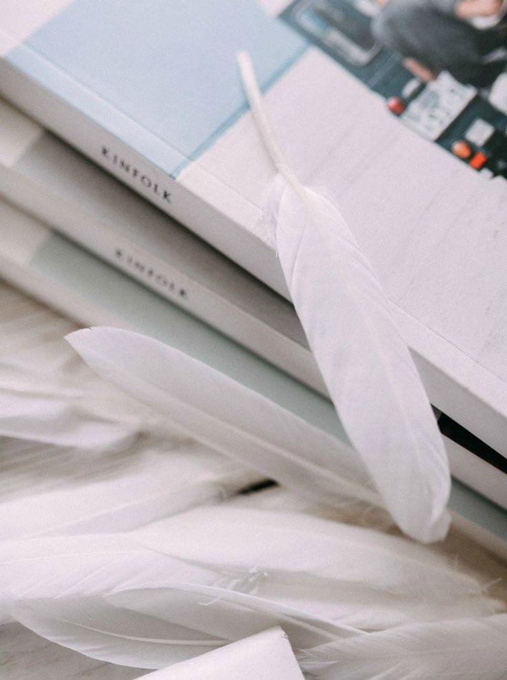 Белые перья и журналы