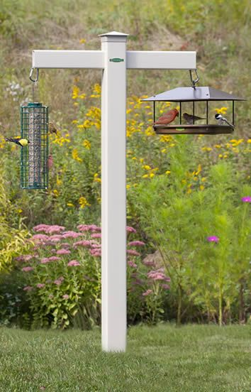 DIY #birdfeeding project using Trex for a natural look
