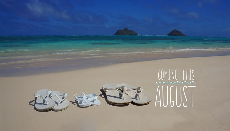 Our pregnancy announcement - expecting a beach baby - with Havaianas Baby flip flops | taken at Lanikai Beach in Kailua, Hawaii