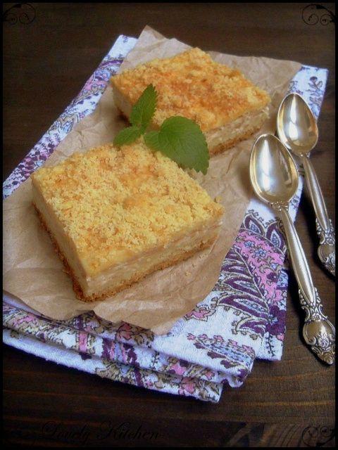 Творожно-яблочные пирожные с крошкой