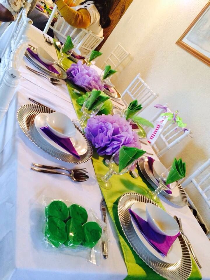 Baby shower deco, lavender and green theme.