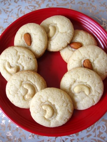 nan-khatai (Eggless Indian Tea Cookies) - Recipe Included