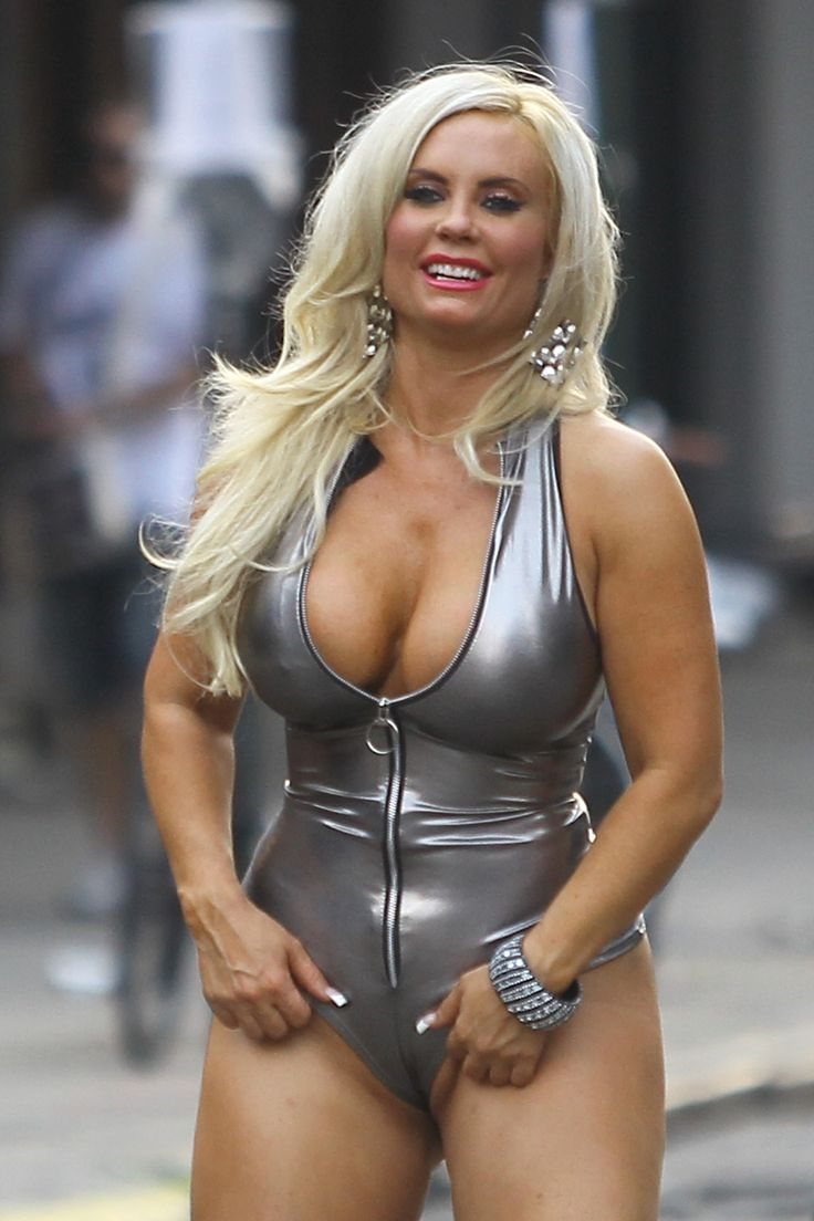 ... Frankel Loves Butts | Pinterest | Coco Austin, Photoshoot and Set Of