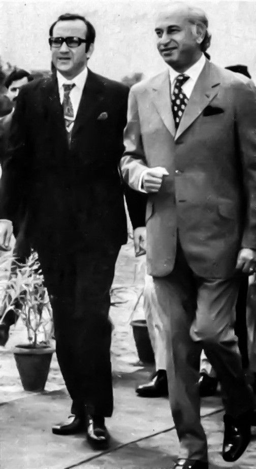 Zulfikar Ali Bhutto arriving to lay the foundation of the Parliament House
