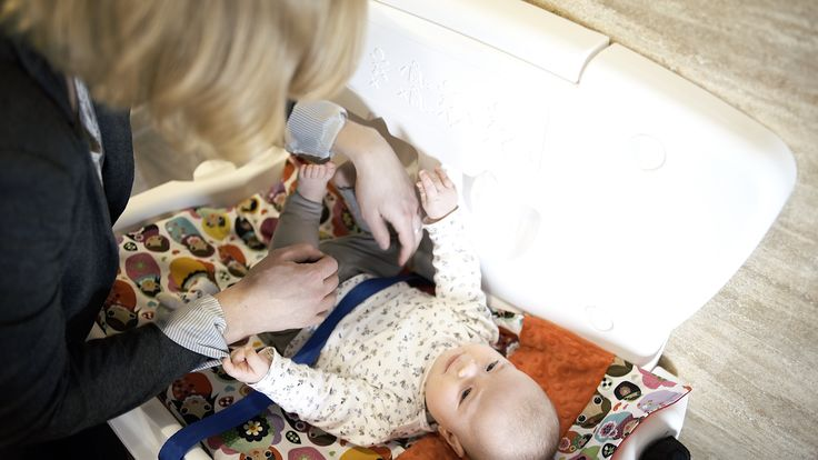 #Przewijak dla dziecka VBCTH w użyciu - niezbędny element wyposażenia #toalety publicznej