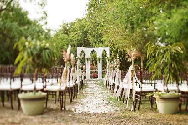 Southern weddings - outdoor chapelWedding Ceremonies, Decor Wedding, Outdoor Wedding, Destinations Photography, Church Windows, Ceremonies Backdrops, Southern Weddings, Outdoor Chapel, Ceremonies Decor