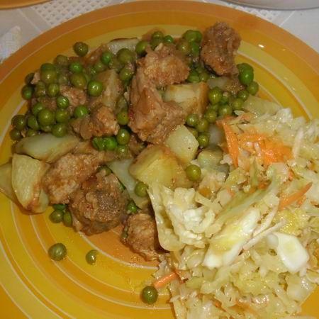 Egy finom Brassói aprópecsenye zöldborsóval és sütőben sült krumplival ebédre vagy vacsorára? Brassói aprópecsenye zöldborsóval és sütőben sült krumplival Receptek a Mindmegette.hu Recept gyűjteményében!