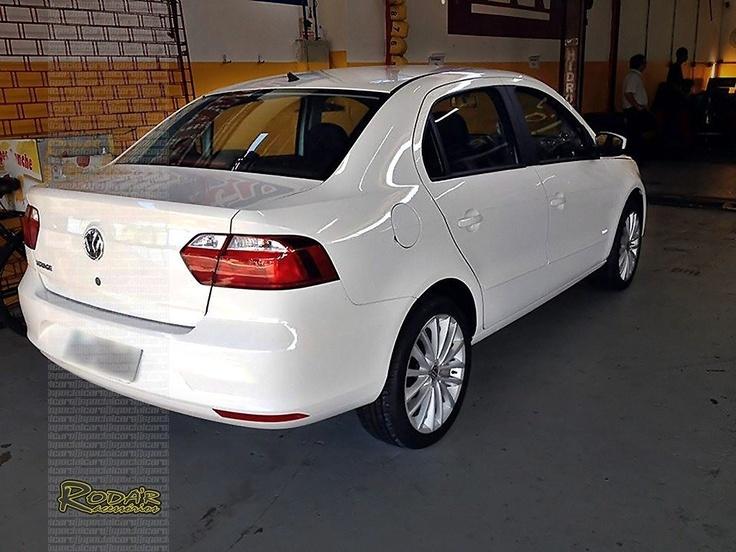 "Novo Voyage G6 2013 com rodas 17"" - New VW Voyage with 17"" rims"