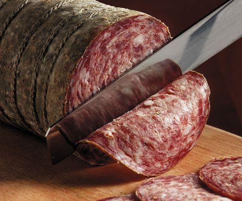 Заготовки на зиму: как приготовить колбасу в домашних условиях