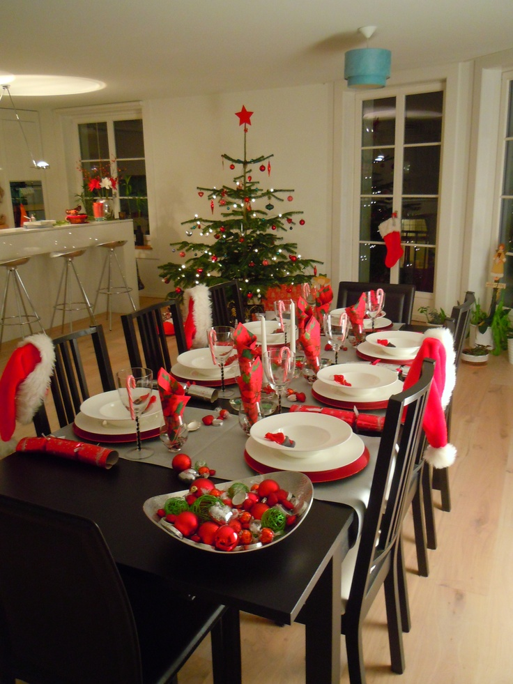 Silver, red & green Christmas Dinner Party - by www.perfectpackages.ch