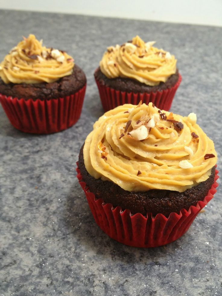 Chocolate Cupcakes with Peanut Butter Cookie Dough Frosting Gluten ...