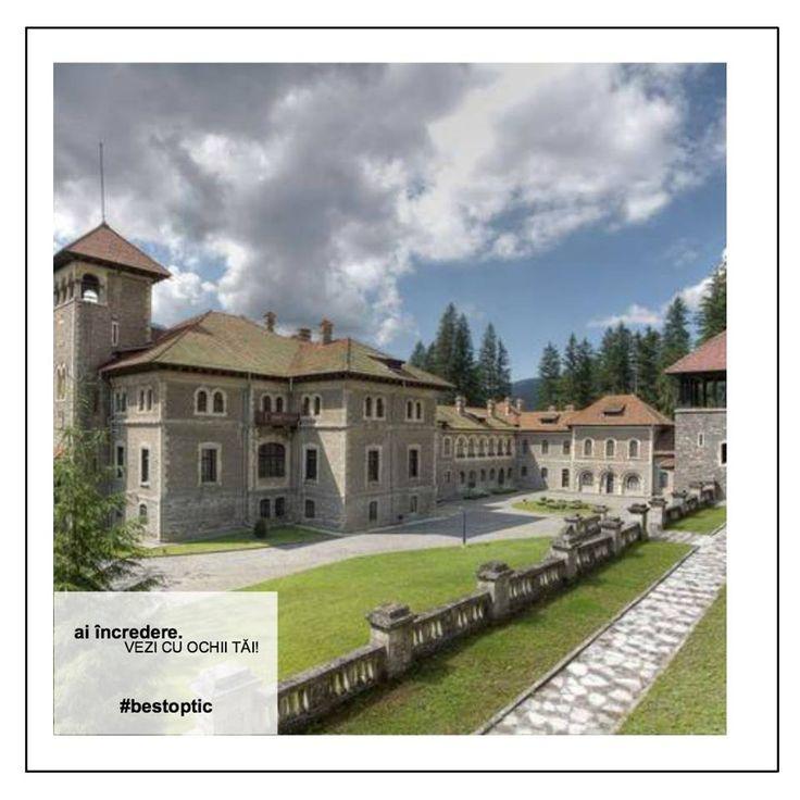 Castelul Cantacuzino! Se află în stațiunea montană Bușteni. A fost construit în 1911 la cererea prinţului Gheorghe Grigore Cantacuzino.Clădirea a aparținut familiei Cantacuzino până la naționalizarea din 1948, devenind apoi un sanatoriu al Ministerului de Interne. Ea adăpostește astăzi un muzeu. Castelul a fost amenajat cu vitralii, plafoane cu grinzi pictate, balustrade din lemn, piatră sau fier forjat, șeminee cu piatră albă și ornamente din mozaic.  #devazut #bestoptic #casteleromania…