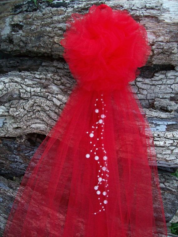 Mariage rouge, rouge Pew arcs, allée rouge décor, Noël de mariage, décoration de l'allée d'église