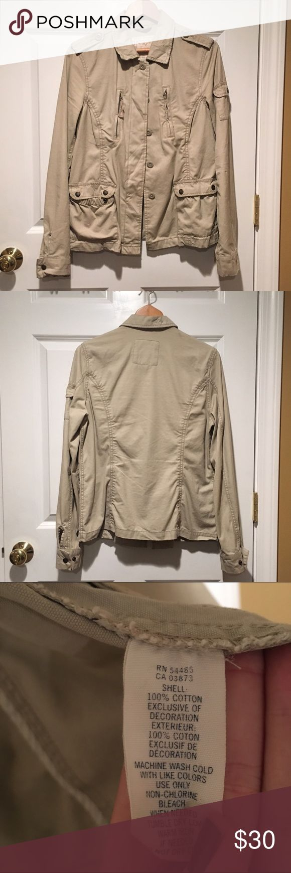 American Eagle Outfitters Cargo Jacket - Tan American Eagle Outfitters Cargo Jacket in Tan. This has been worn but has no stains, rips or fading. American Eagle Outfitters Jackets & Coats