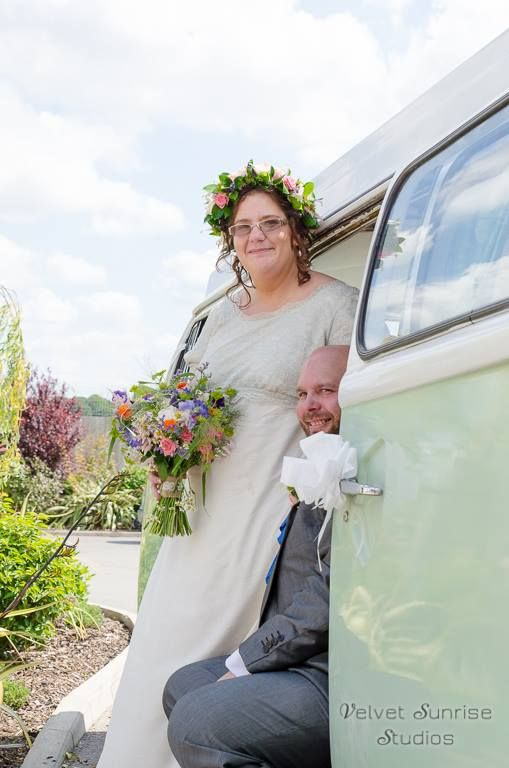 A beautiful wedding day with Betsy   (Picture by Velvet Sunrise Studios)